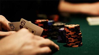 Cách chơi Poker ở vòng Pre-Flop