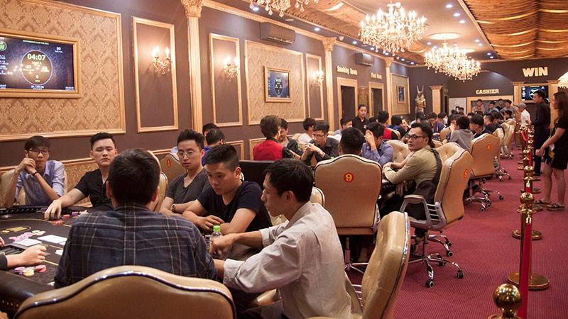 Đánh poker live tại các CLB Poker Việt Nam