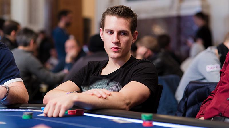 cách đánh đúng trong poker